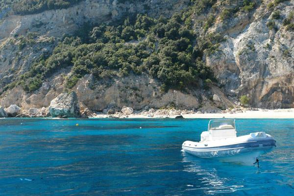 Azzurra boat rental offer